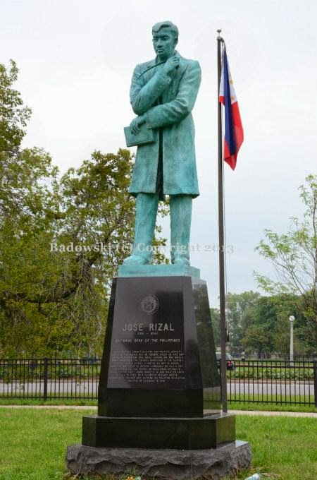 monuments of dr jose p rizal Dr jose rizal born josé protacio  monuments rizal park  habit of switching from one language to anotherjose prizal had crated two novels that marks in the.