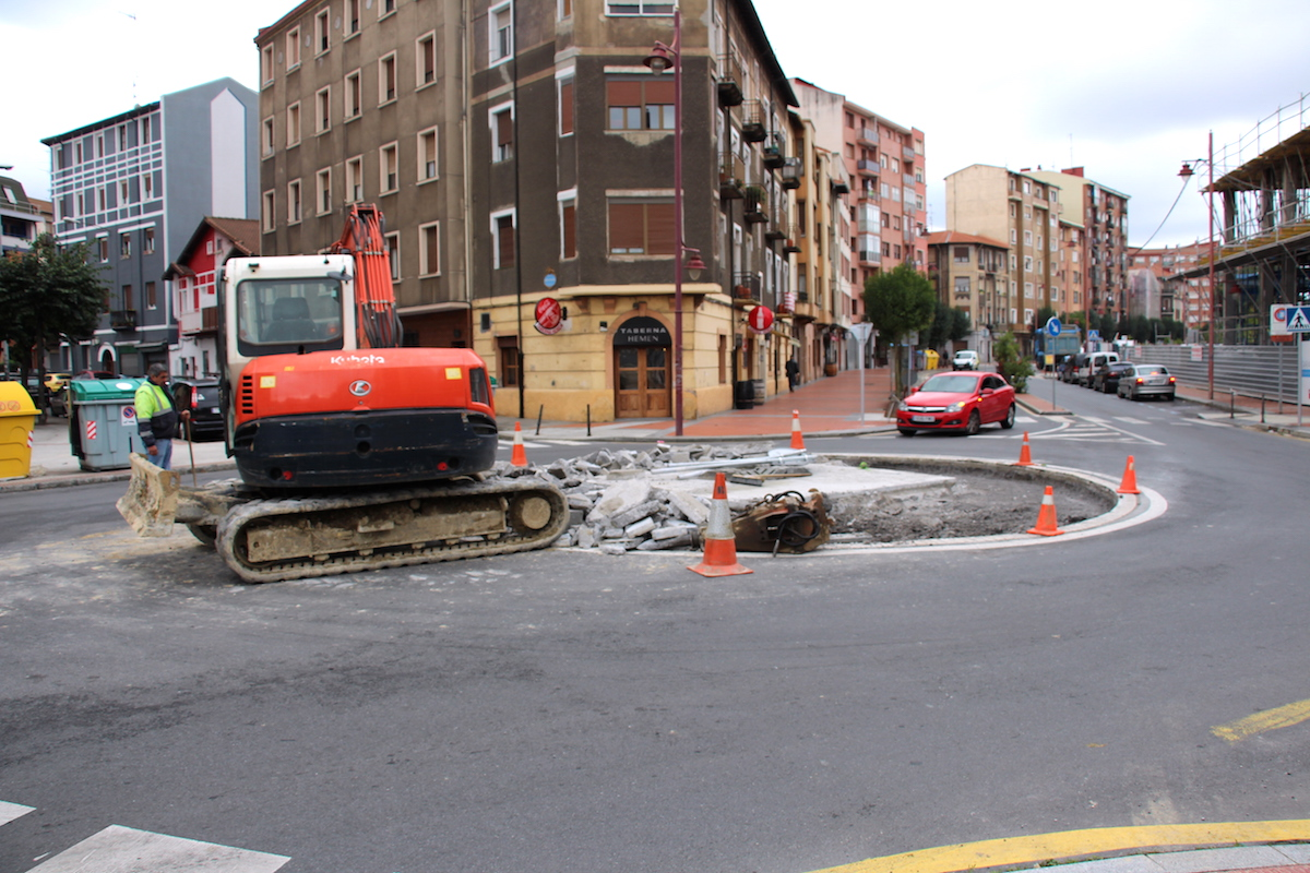 Barakaldo digital denuncia vecinal la rotonda de for Pisos nuevos en barakaldo