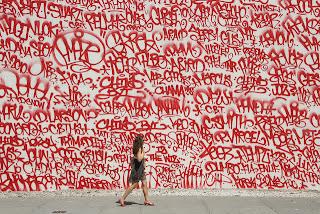 startup idea graffiti-wall