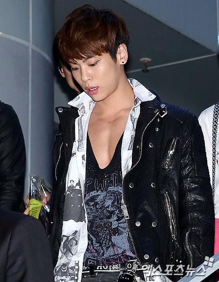 Shinee Jonghyun at Seoul Fashion Week ss 13 121022