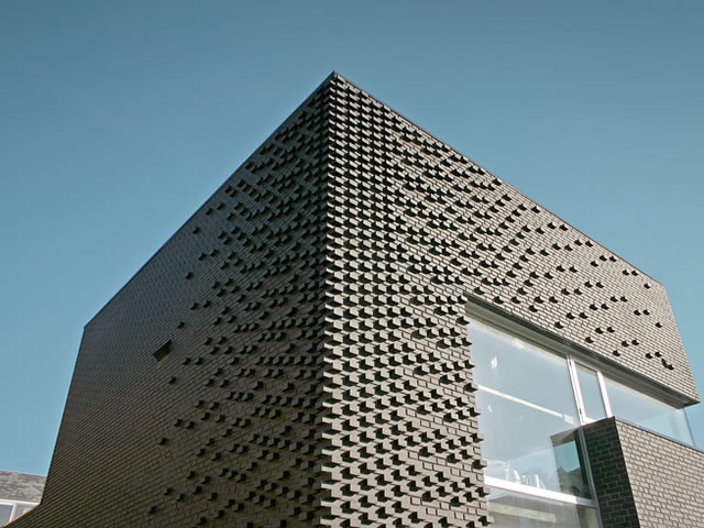 veda 39 modern brick design