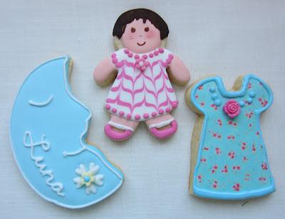 galletas niña decoradas con tecnica wet on wet y papel de azucar impreso
