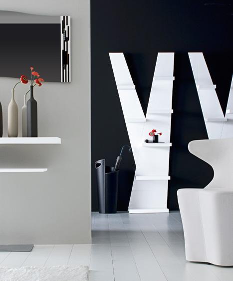 No sólo tienen una forma bonita y son un gran elemento de decoración, sino que además cumplen realmente una función muy útil. Ambas están hechas de madera con un acabado en blanco o negro cromado.