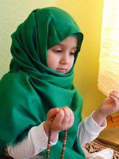 Foto Bayi Perempuan Islami
