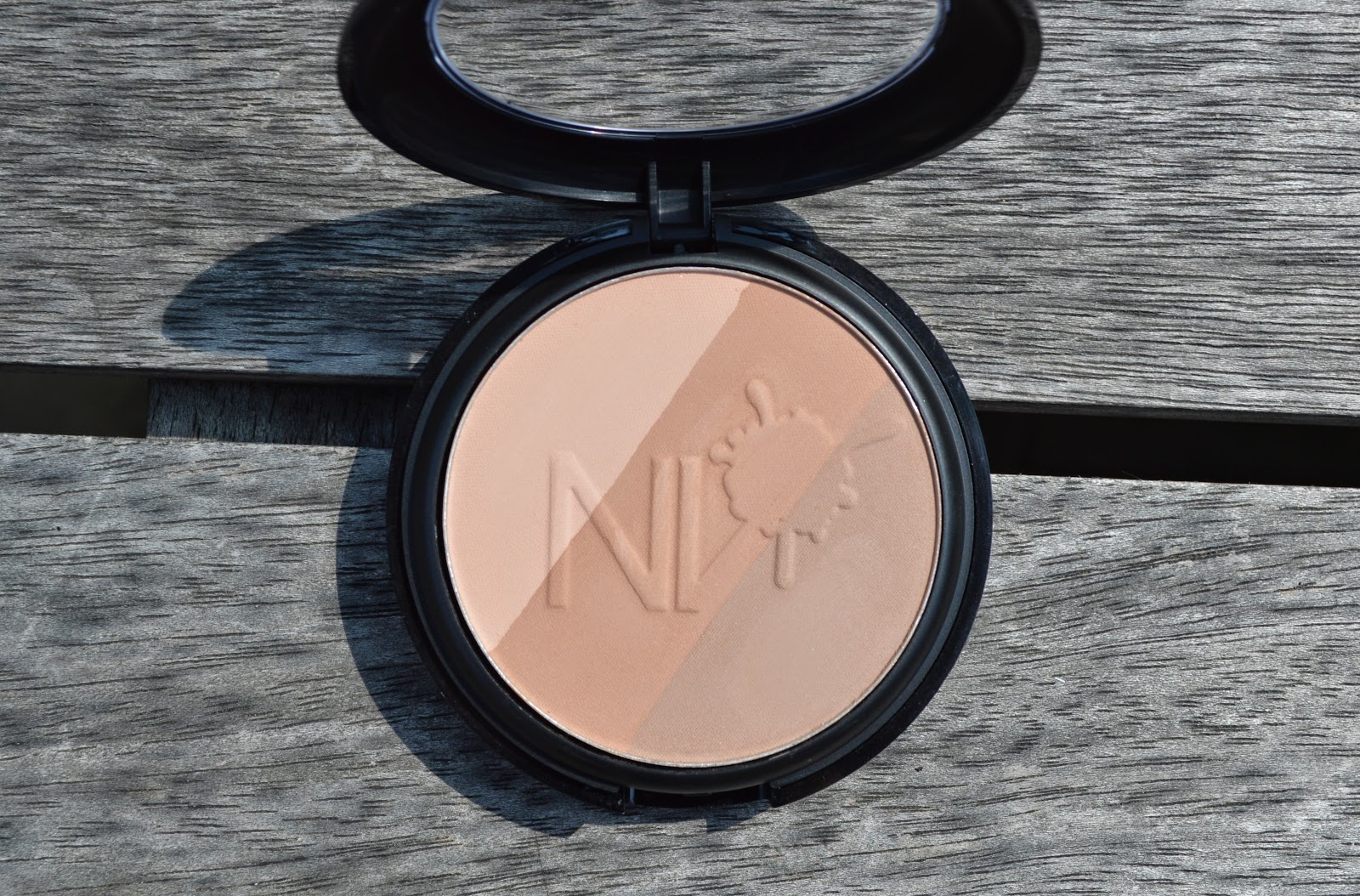 NV Colour Bronzer in Fair