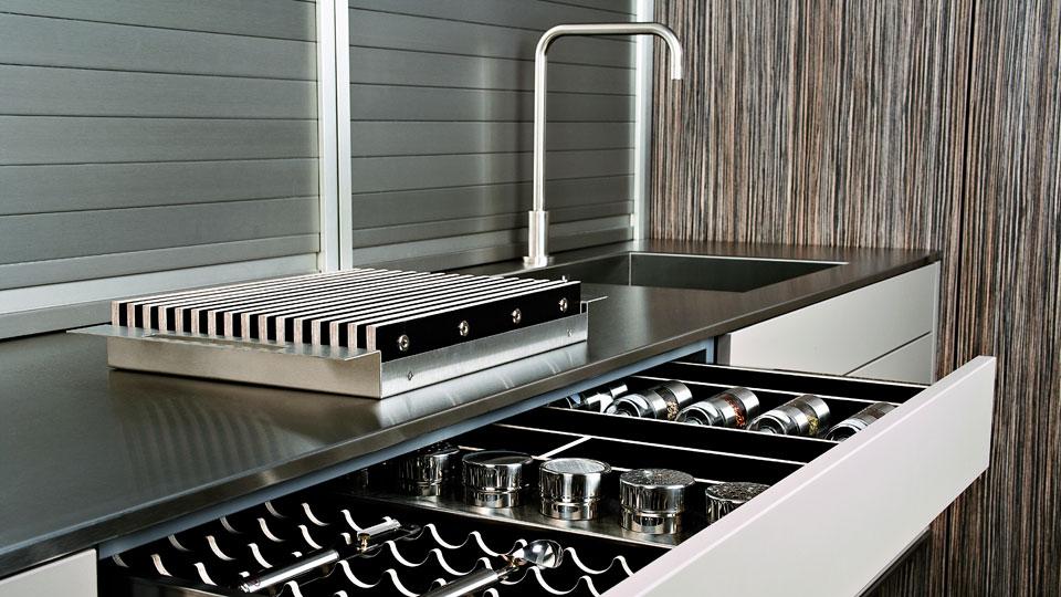 muebles con persianas de gran capacidad para cocinas cocinas con estilo. Black Bedroom Furniture Sets. Home Design Ideas