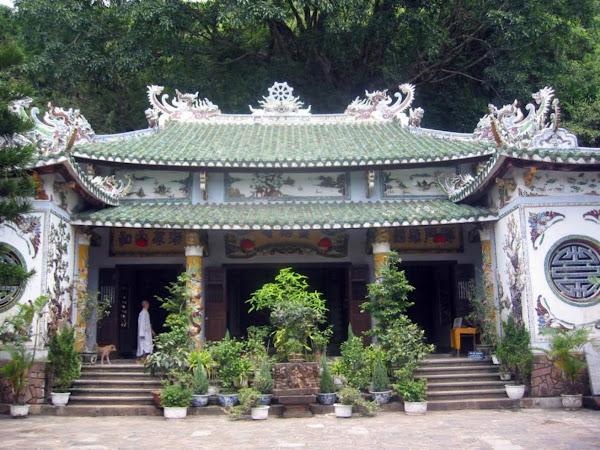 Pagoda Linh Ung en las montanas de marmol de Danang