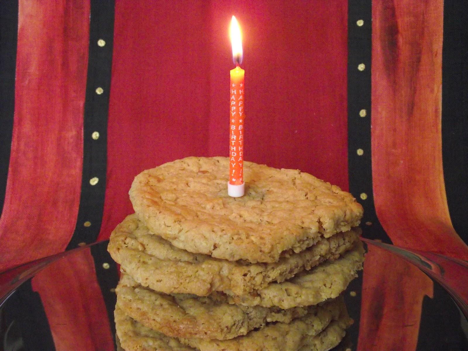 http://3.bp.blogspot.com/-cvewYqxObAM/Tmy9tsxRTdI/AAAAAAAAAgk/jsfiBISaYKk/s1600/BDay+Crunchy+Peanut+Butter+Cake.JPG