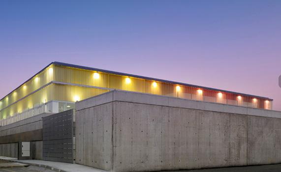 Arquitectura deportiva en hormig n armado for Piscina municipal arteixo