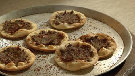 Lahm Bi Ajine: Minced Lamb Pizza Recipe