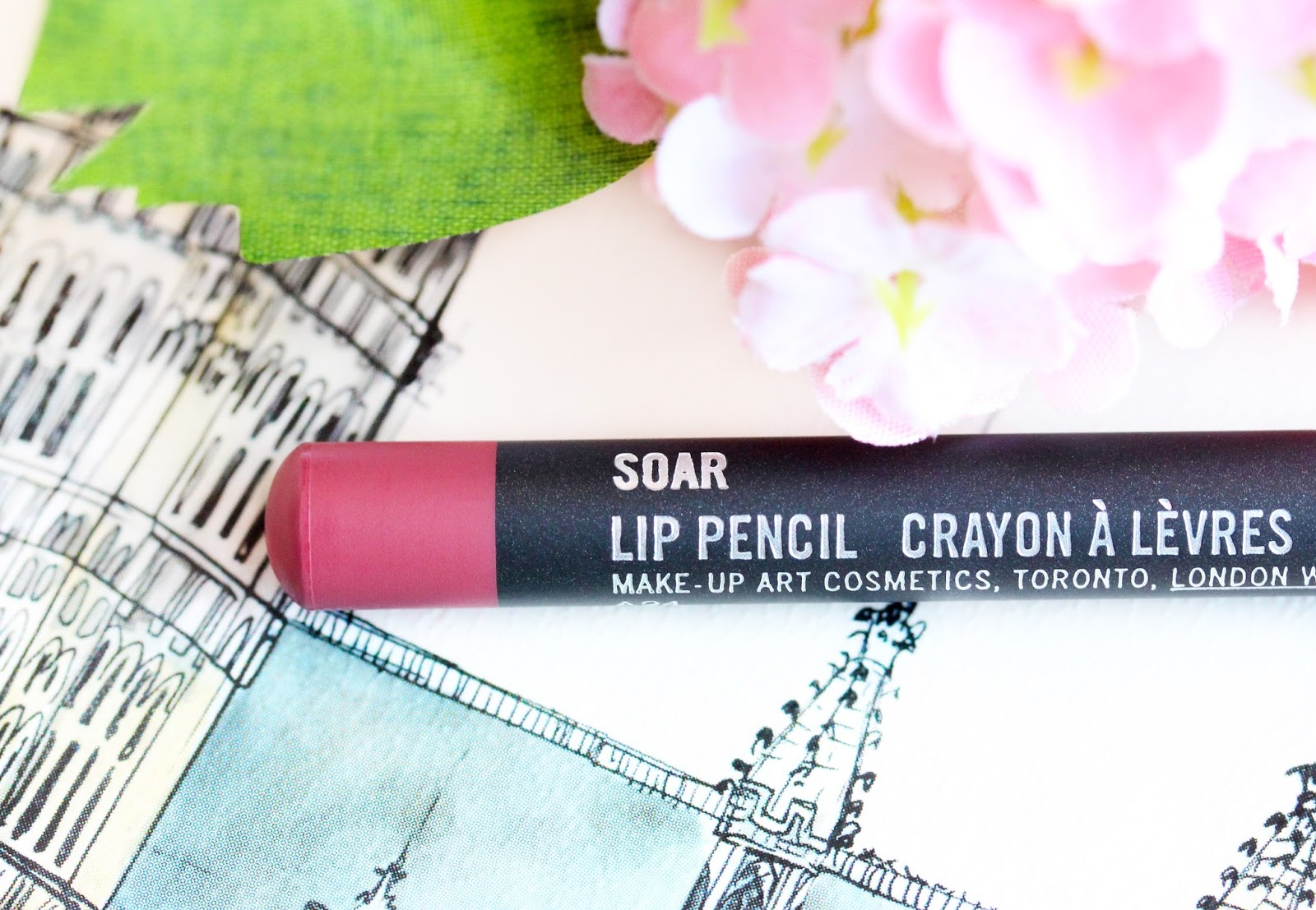 MAC Soar Lip Liner The Kylie Jenner Lip