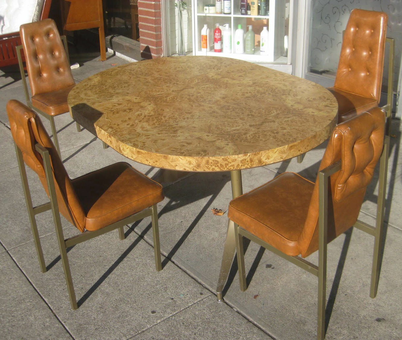 Uhuru furniture collectibles sold retro kitchen table for Retro kitchen table and chairs