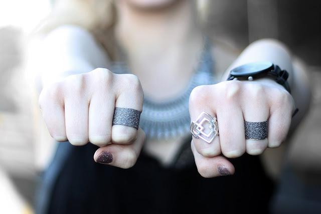 sparkling ring details