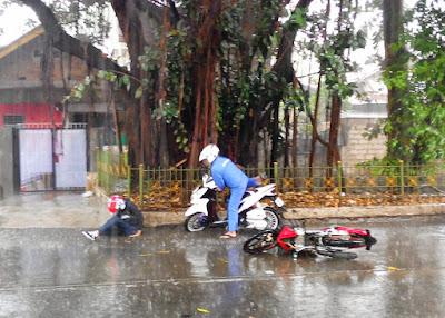 ibu kota jakarta betawi jakarte durian runtuh hujan deras diguyur gerimis banjir