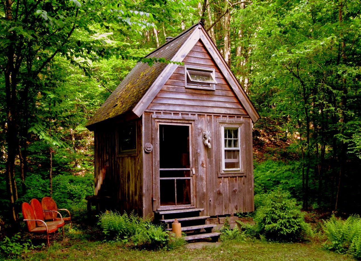 The flying tortoise some simply gorgeous rustic retreats for Small livable cabins