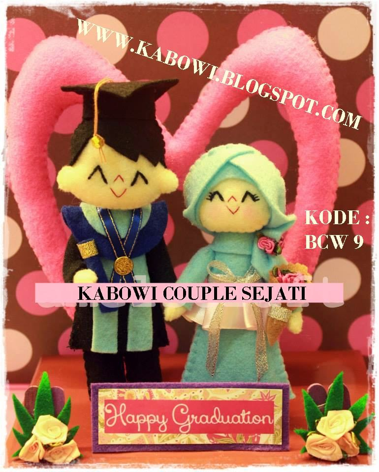 kado boneka wisuda couple pasangan jual hadiah logo universitas sekolah mahasiswa kabowi gambar kabowi unik lucu spesial