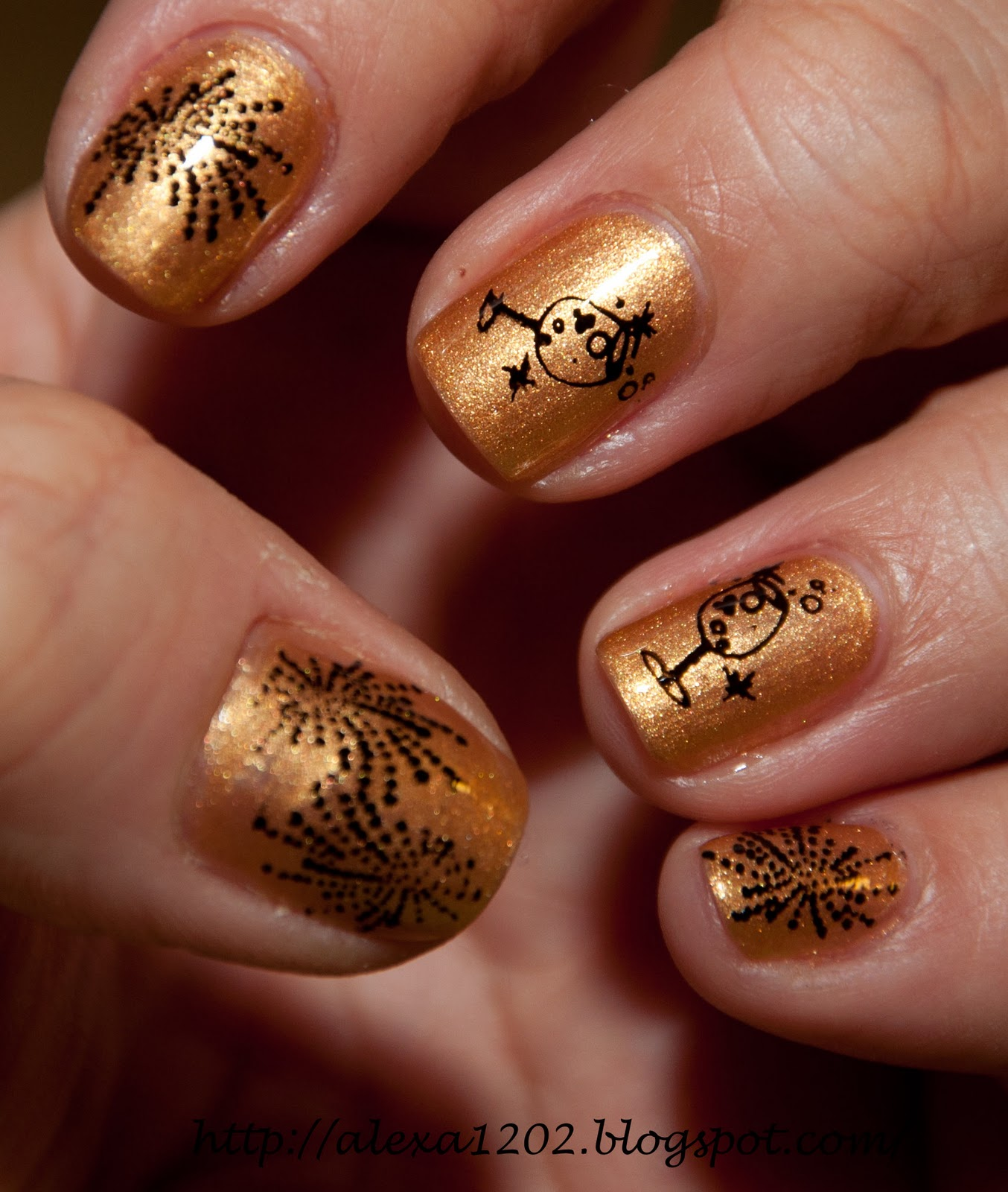 Addicted to Konad: NOTD & KOTD: Champagne and Fireworks