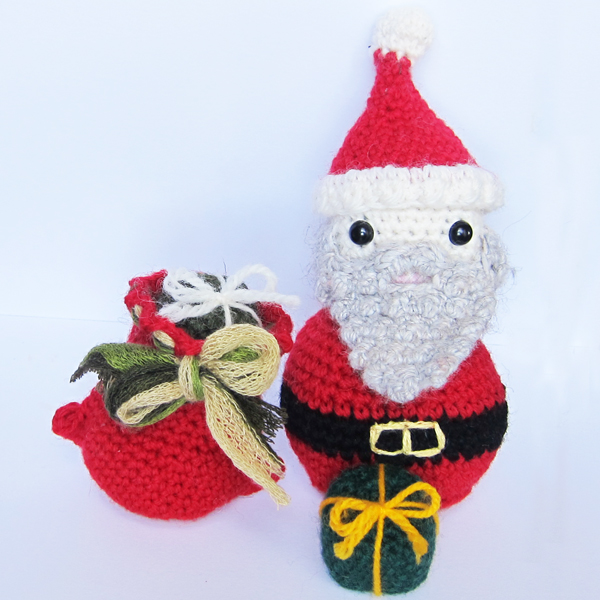 Amigurumi Santa Patterns : Roaming Pixies: Free Crochet Amigurumi Pattern - Santas ...