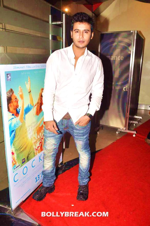 Aditya Singh Rajput - (11) - Bollywood & TV Celebs at the Premiere of 'The Dark Knight Rises'