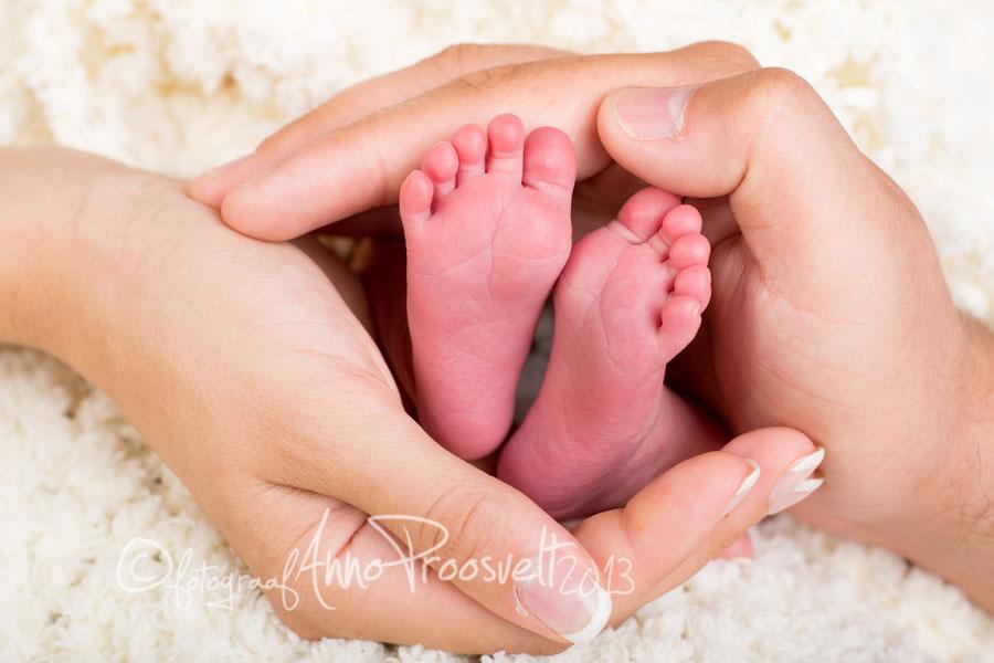 beebi-varbad-ema-isa-käed