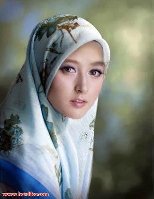 Mudah on Cara Mudah Memakai Jilbab Segi Empat Plus Foto Gambar   Hardika