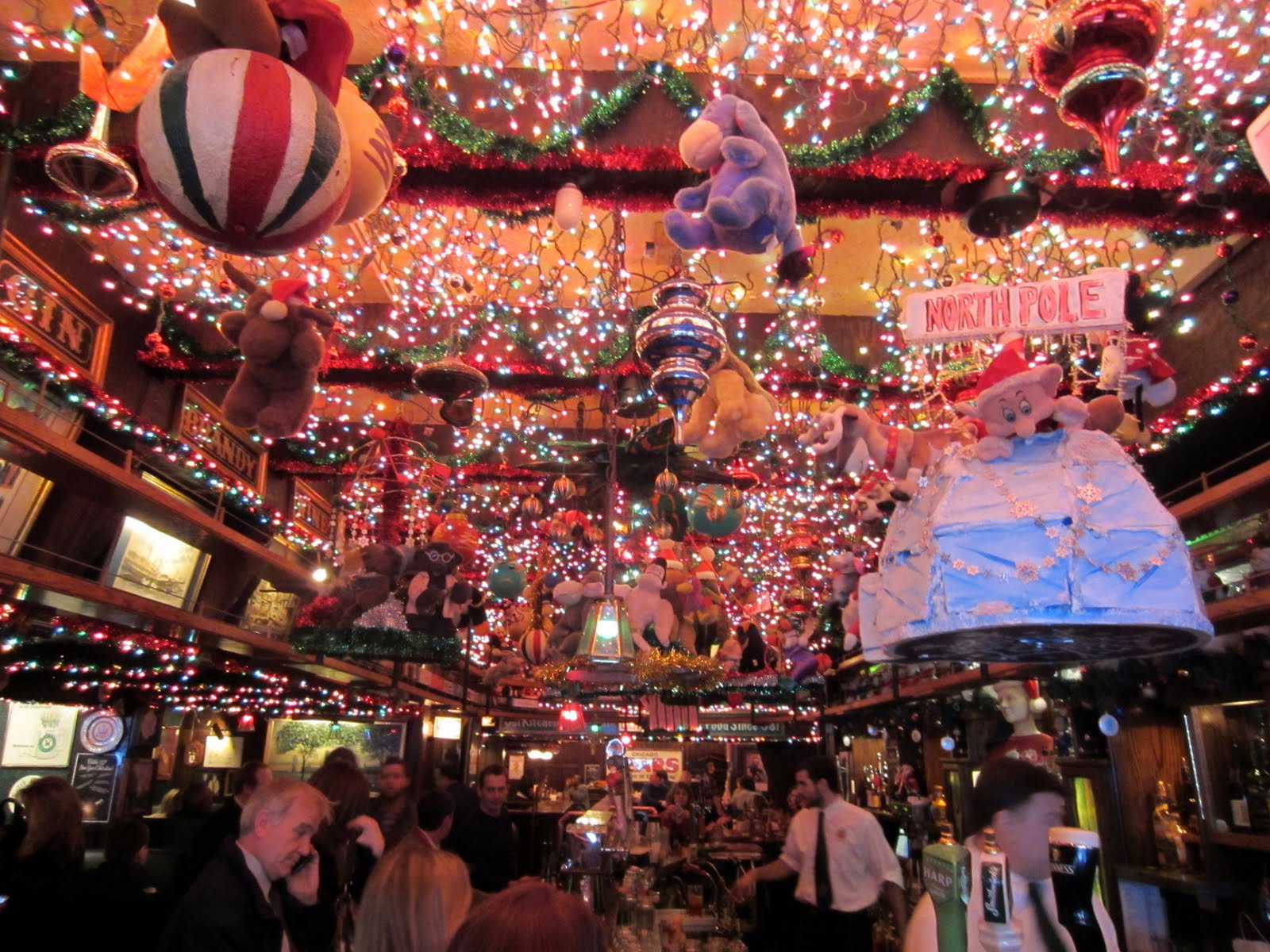 chicago boyz blog archive butch mcguires has christmas spirit - Chicago Christmas Market