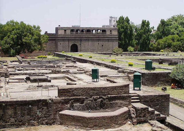 A public well used by male occupants of Shaniwarwada Fort
