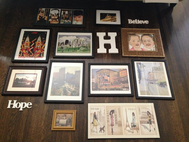 5 steps to create and hang a wall gallery for Arrangement of photo frames on wall