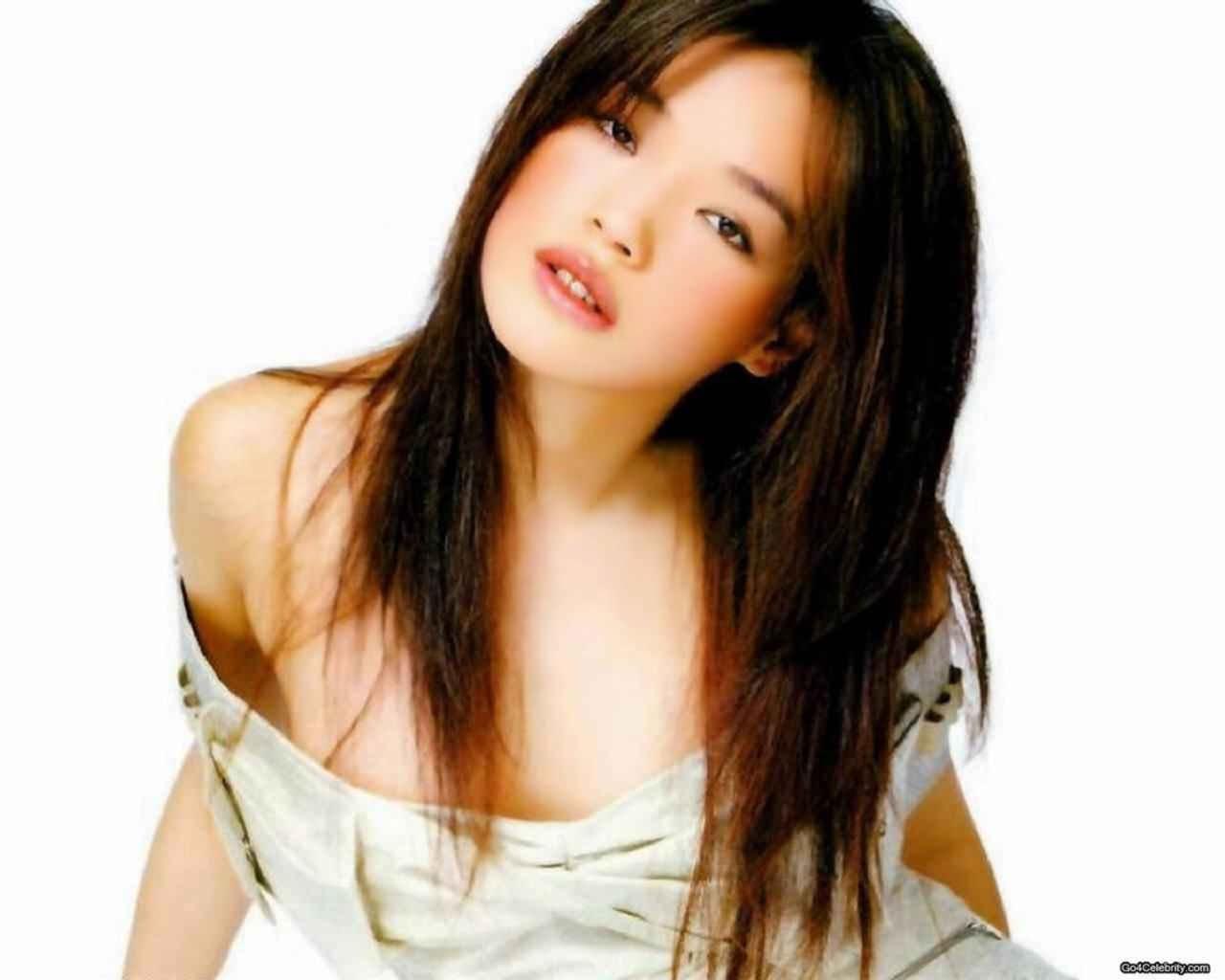 Qi Shu Nude Photos 4