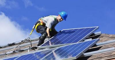 instalaciones fotovoltaicas en los techos de los edificios