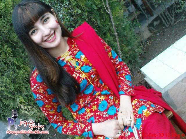 Beautiful Red Gul Panra