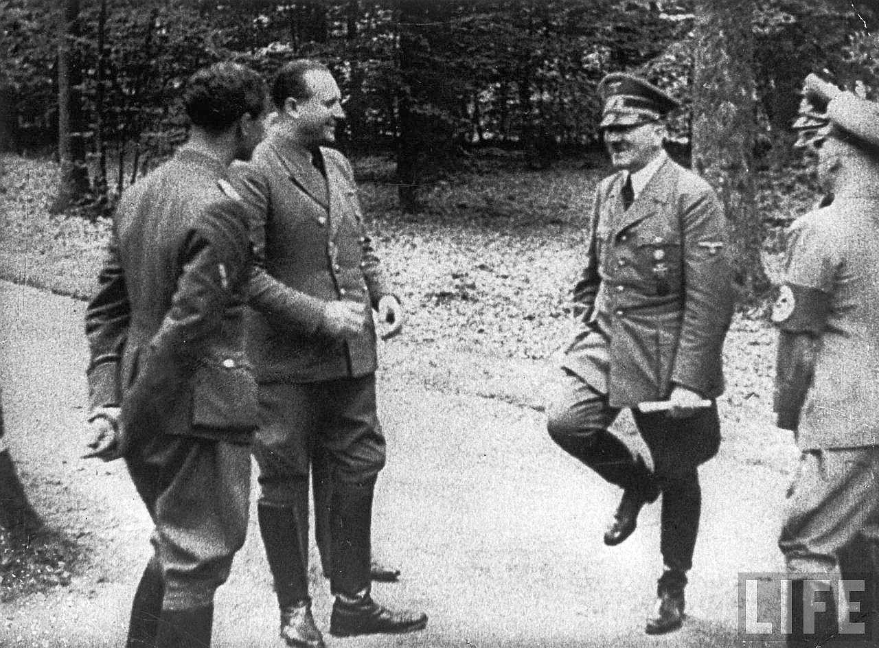 Ретро порно девочки фюрера 11 фотография
