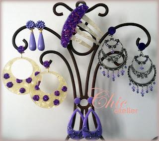 Tendencias pendientes y peinetas en moda flamenca