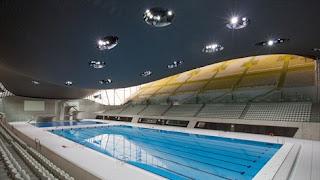 Aquatics Centre - этот центр был специально спроектирован и построен  для Олимпийских  игр