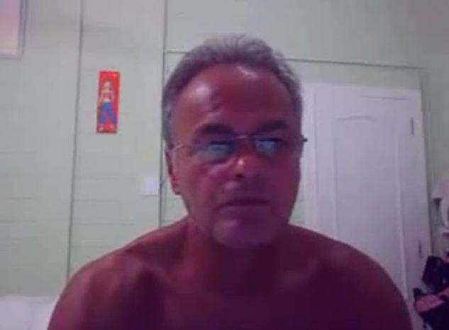 Suposto Video de Kadu Moliterno Ator da Globo na Webcam se Masturbando