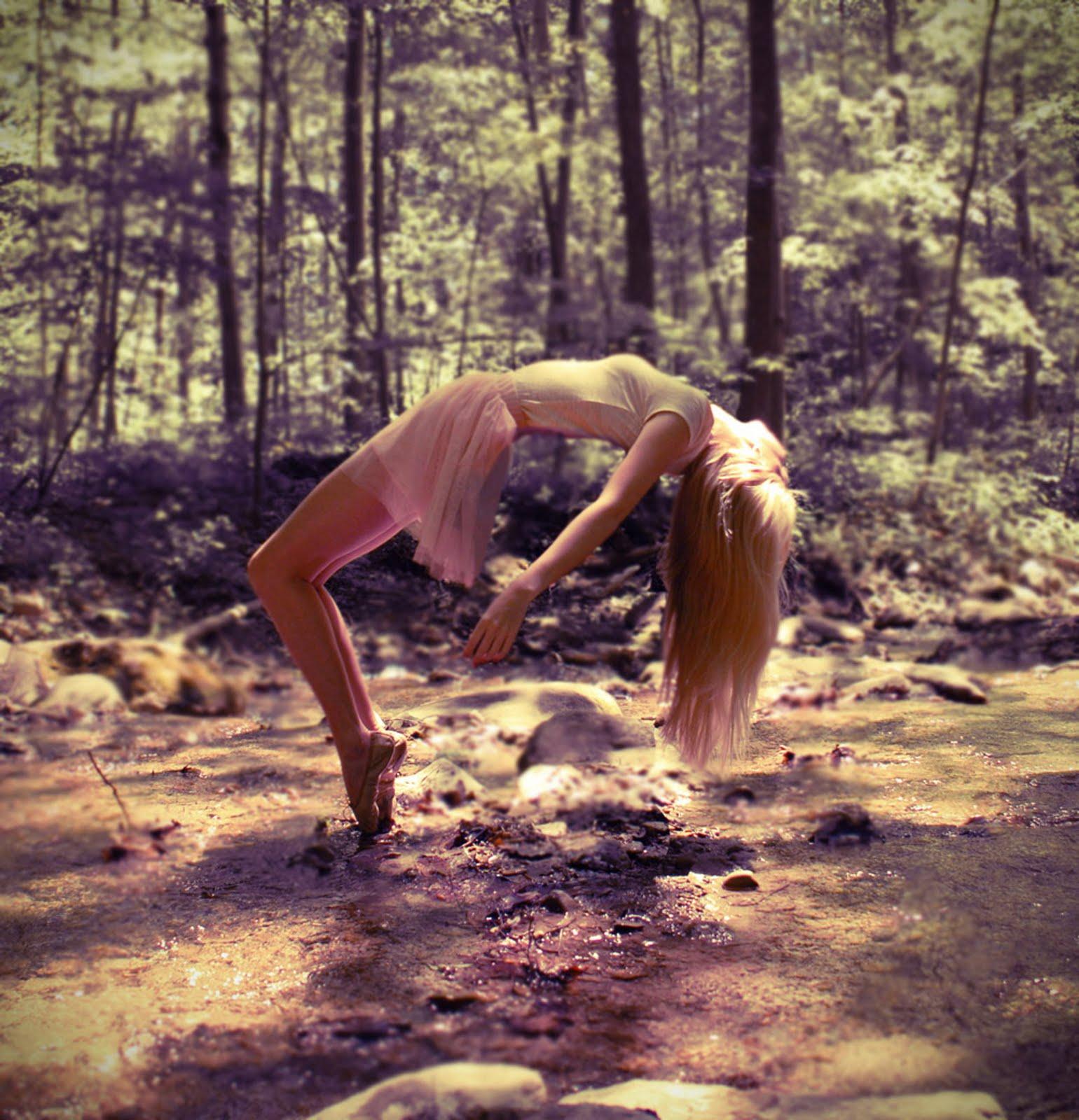http://3.bp.blogspot.com/-cyYVgoK0lHY/TjpRK56e4PI/AAAAAAAAHxU/gZFnqU3Ph-Q/s1600/forest.jpg
