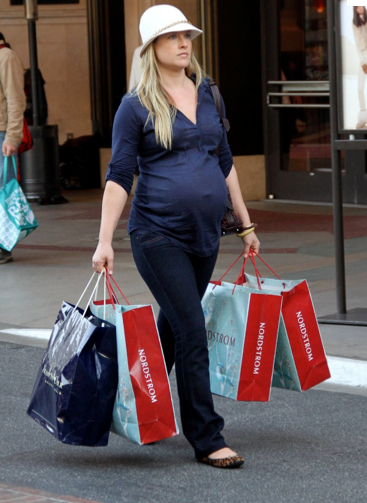 Walking with Dancers: How I Shop for Maternity Clothes