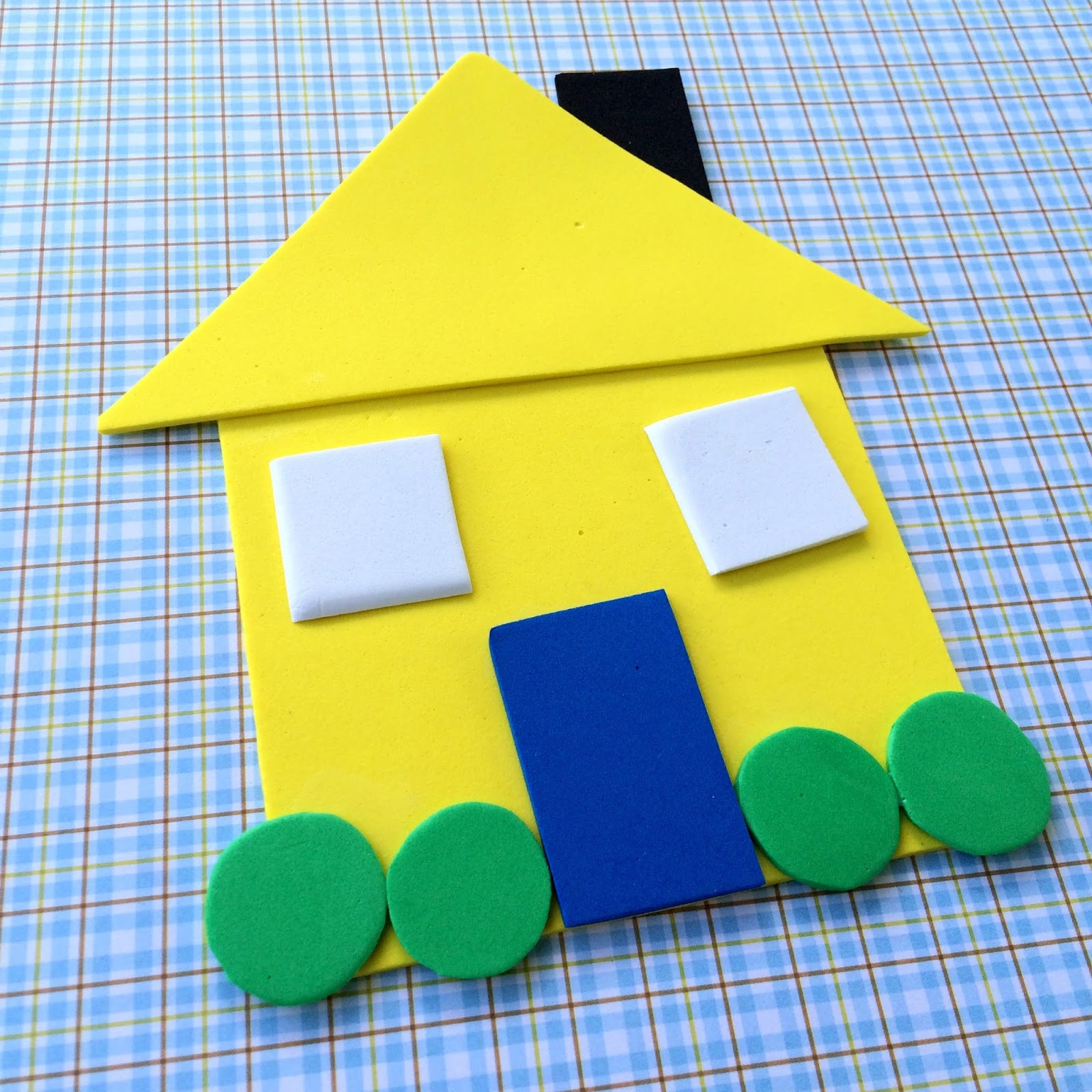 Shape house educational craft for Educational crafts for preschoolers