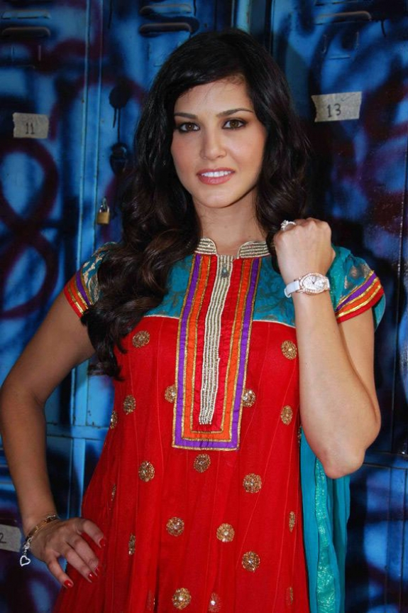 Model Sunny Leone Photos in Churidar Dress