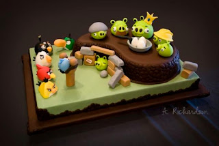 Delicious angry birds cake