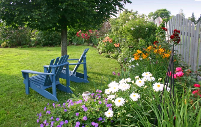 Simple Backyard Flower Gardens : Flower garden, randomly sourced from the internet