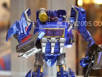 Soundwave Voyager Transformers Generations BOTCON 2012