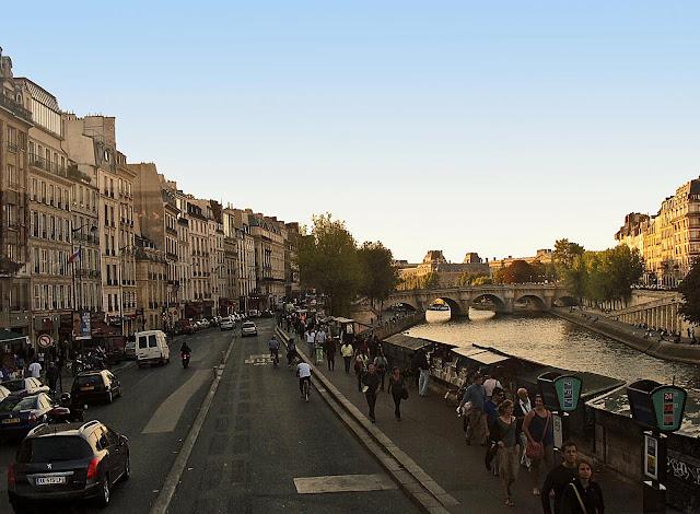 Paris street near canal