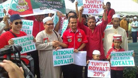 PETRONAS!!   PAY D  ROYALTY !!