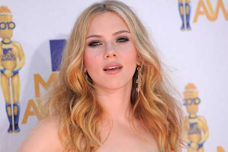 Foto Telanjang Scarlett Johansson Bocor di Internet
