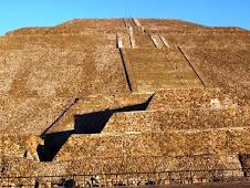 Pirámide del Sol Teotihuacan México 2010