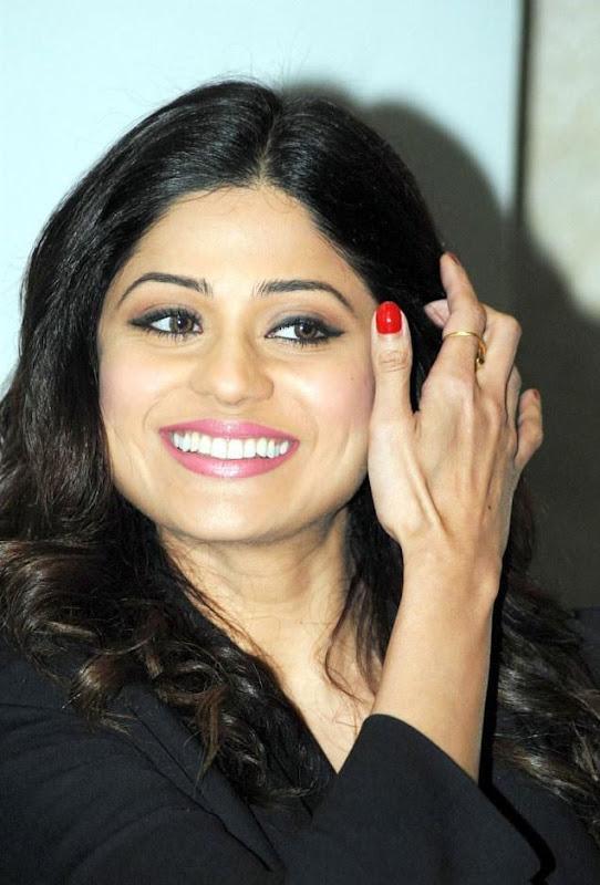 Shamita Shetty  Bollywood Actress In Spandex Black Pant Wearing Photoshoot images