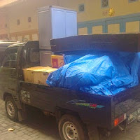 Jasa pindahan dengan mobil pickup di Medan.