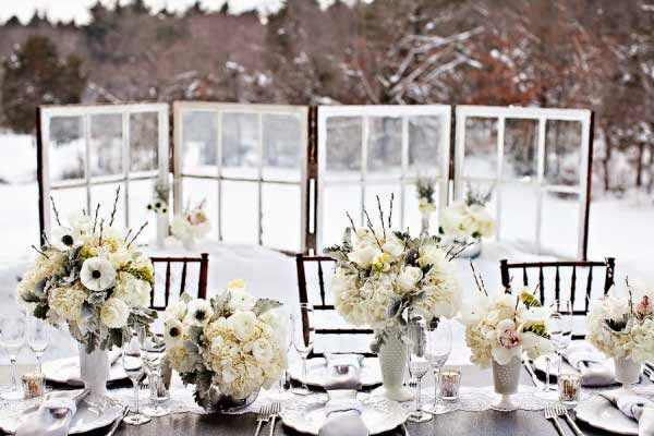 http://9weddingwebsites.com/Winter-Wedding-Centerpieces/attachment/winter-wedding-photos-73/