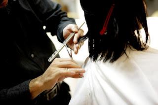 Bolehkah Ibu Hamil Potong Rambut?